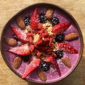 Mixed berry smoothie bowl